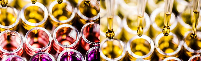 Butelki pełne olejków, Buteleczki i pipety